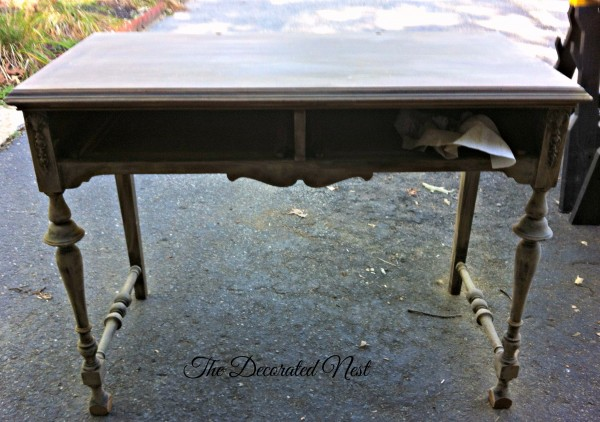 sanded vanity-the-decorated-nest