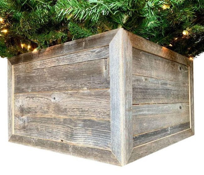 wooden tree box collar-rustic-lodge-christmas-shopping-guide-www.nesteddesigncompany.com