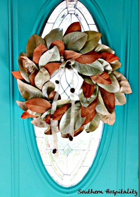 Fall-magnolia-wreath_thumbsouthern hospitality blog-www.thedecoratednest.com