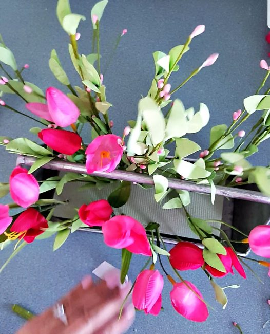 Add tulips to your spring tulip decor