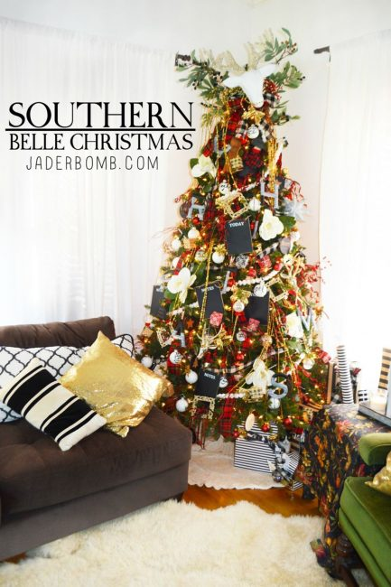 southern belle tree jader bomb-12-ways-to-decorate-your-christmas-tree-www.nesteddesigncompany.com